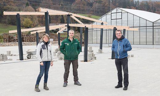 Gabriele und Werner Schaffer mit Bürgermeister Peter Koch