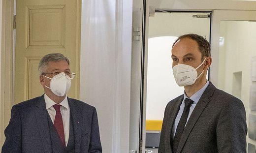 Protokoll, Besuch des slowenischen Aussenministers.