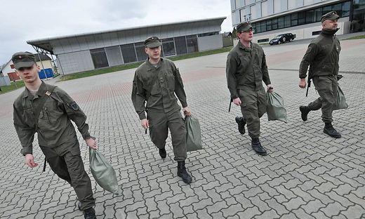 Freiwillige Milizsoldaten
