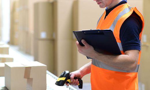 Ein Kärntner Paketzusteller hat Waren um mehrere tausend Euro nicht zugestellt, sondern selbst eingesteckt (Symbolfoto)