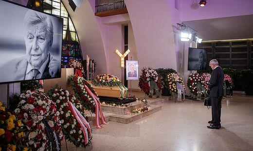 Journalistenlegende Hugo Portisch wurde im Beisein von Bundespräsident Van der Bellen beigesetzt