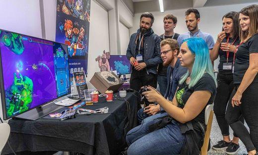 """""""Game Dev Days"""": Mehr als 400 Teilnehmer säumen die Räume auf der TU Graz"""
