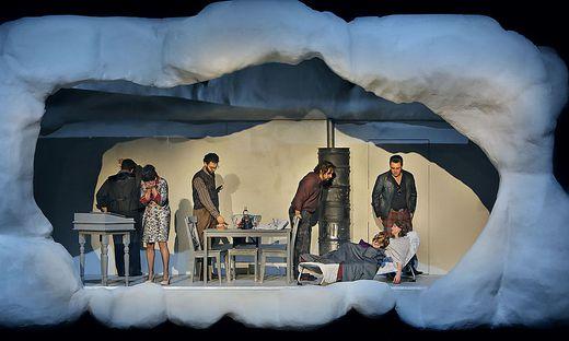 Matteo Desole als ´Rodolfo´, Bianca Tognocchi als ´Musetta´, Daniele Antonangeli als ´Colline´, Nicola Ziccardi als ´Marcello´, Lada Kyssy als ´Mim�´ sowie James Roser als Schaunard.