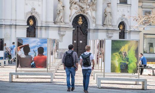 """2021 wieder zurück am Mariahilferplatz: Die """"Menschenbilder"""""""