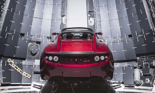 Der Tesla ist schon in der Riesen-Rakete