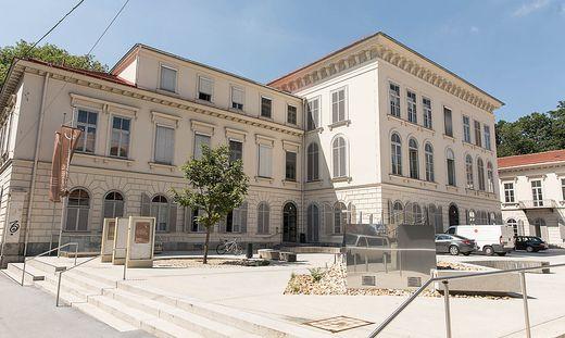 Auch die Grazer Kunst- und Musikuniversität schließt sich dem Protest an