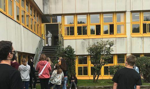 Auch im BORG Deutschlandsberg gab es einen positiven Coronafall, woraufhin zahlreiche Schüler und Lehrer getestet wurden