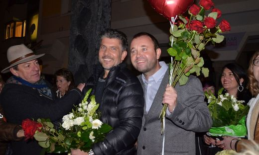 Offiziell verlobt: Kurt & Christoph strahlen vor Glück