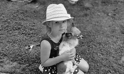 Das kleine Mädchen überlebte den Unfall nicht - das Bild zeigen wir auf ausdrücklichen Wunsch der Mutter