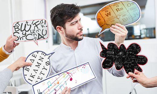 Ein Schultag mit fünf verschiedenen Fächern konfrontiert Lehrer wie Schüler mit fünf verschiedenen Sprachen – eine Herausforderung