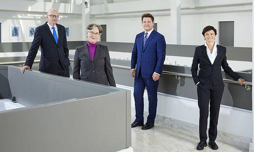 Rektorat der Universität Klagenfurt (von links): Reinhard Stauber (Personal), Martina Merz (Forschung), Oliver Vitouch (Rektor), Doris Hattenberger (Lehre)