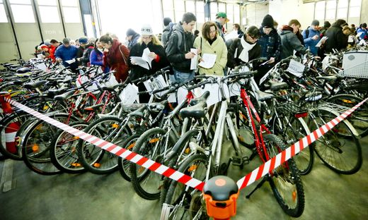 Dutzende Fahrräder werden am Samstag versteigert