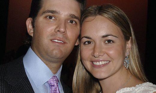 Frau von Trump Jr. öffnet Brief mit weißem Pulver