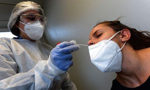 Derzeit laborieren demnach 39.415 Menschen an einer Coronavirus-Infektion
