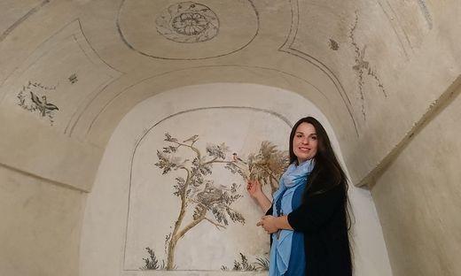 Miriam Moravi restaurierte mit ihrem Mann Jürgen Schablonenmalereien aus der Zeit um 1800