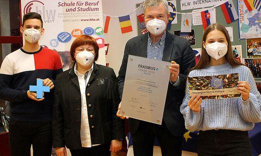 Das Erasmus+ Team mit Helmut Pessentheiner (Mitte) und Sigrid Grojer