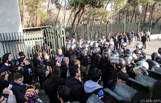 Mehrere Tote bei Ausschreitungen im Iran
