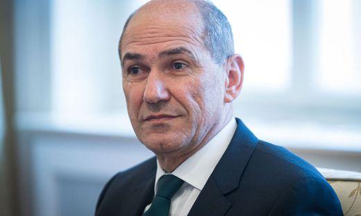 Janez Janšavor den Toren: der kontroverse Nationalkonservative steht vor dem Comeback als Ministerpräsident
