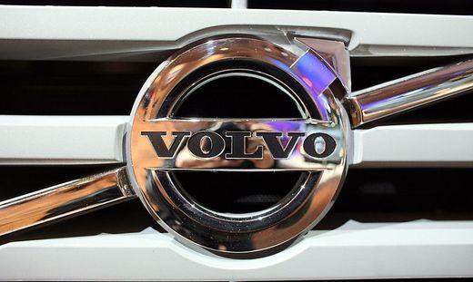 Volvo mit Nutzfahrzeugen in der Verlustzone