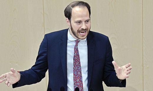 Der stellvertretende NEOS-Klubobmann Nikolaus Scherak