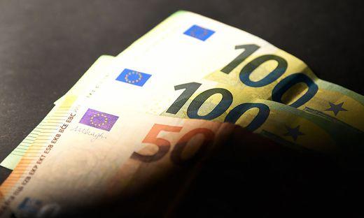 ++ THEMENBILD ++ 'EURO-GELDSCHEINE/GELDWAeSCHE/EU'