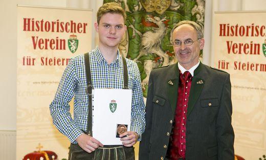 Stefan Mischlinger wurde für seine vorwissenschaftliche Arbeit ausgezeichnet