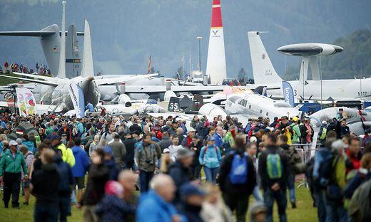 Die Airpower lockte am Freitag rund 80.000 Besucher zum Fliegerhorst in Zeltweg