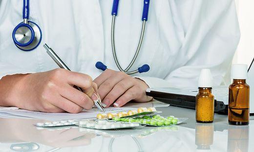 Die praktische Ärztin soll die Medikamente per Rezept verschrieben haben (Sujetbild)