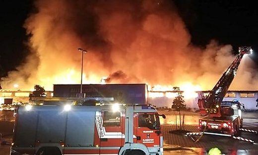 Der Supermarkt in Klagenfurt brannte komplett nieder