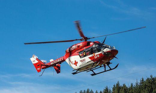 Der Rettungshubschrauber RK1 flog den Verletzten ins LKH Villach (Symbolbild)