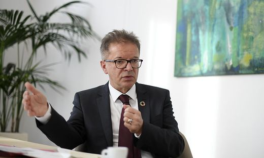 Gesundheits-, Pflege- und Soziallandesrat Rudolf Anschober, auch zuständig für Konsumenten- und Tierschutz.
