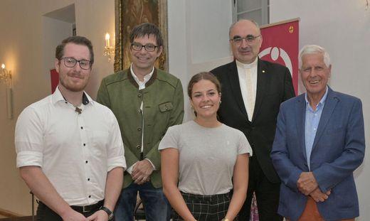 André Straubinger, Moderator Werner Ranacher (ORF), Fiona Wagner, Bischof Krautwaschl und Franz Küberl