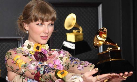 Mit Grammys überhäuft: Die kämpferische Taylor Swift