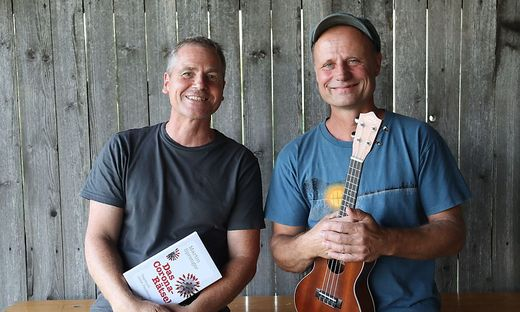 Martin Sprenger und Georg Laube bilden den Auftakt im Dachbodentheater