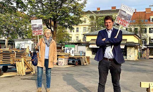 Bezirksrätin Inge Mader, Gemeinderat Heinrich Sickl (beide FPÖ).