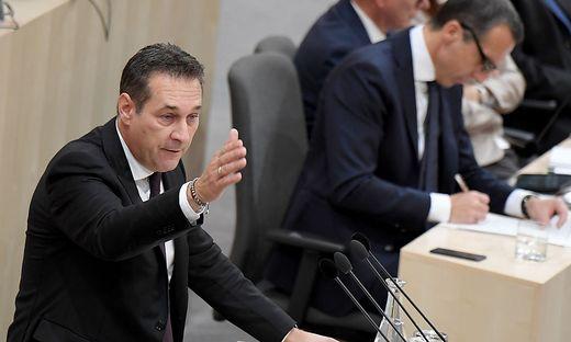 FPÖ stellte Misstrauensantrag gegen Kern