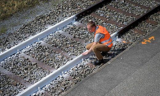 Ernstes Problem: sich wegen der Hitze verformende Bahnschienen