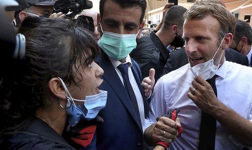 Emmanuel Macron verspricht einer Libanesin Hilfe
