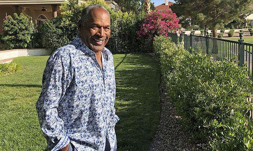 O.J. Simpson in seinem Garten in Las Vegas