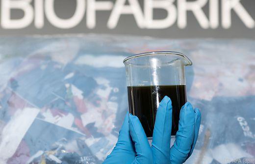 Ein Kilo Plastik ergibt etwa ein Liter Kraftstoff