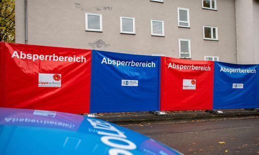 Absperrbereich vor dem Tatort in Detmold