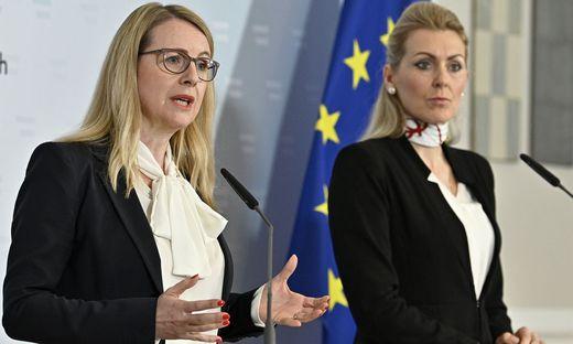 Ministerinnen Margarete Schramböck und Christine Aschbacher