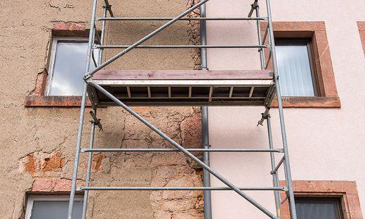 Die Fassade muss erneuert werden