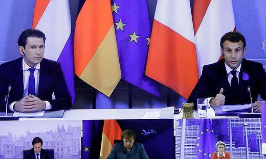 Kurz und Macron bei der Pressekonferenz in Paris - Angela Merkel wurde zugeschaltet