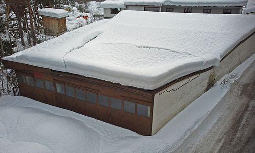 Das Dach hielt der Schneelast nicht mehr stand