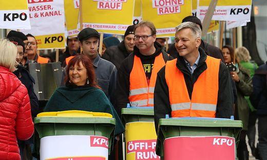 Claudia Klimt-Weithaler und KPÖ bei Marsch