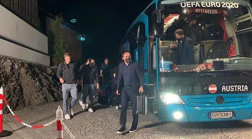 Um 1 Uhr war Österreichs Team wieder im Hotel in Tirol angekommen