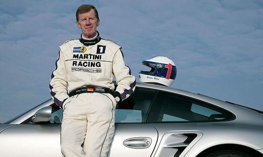 70 Jahre und fit wie ein Turnschuh: Walter Röhrl. Porsche schenkt ihm zum Geburtstag eine Kurve in Weissach