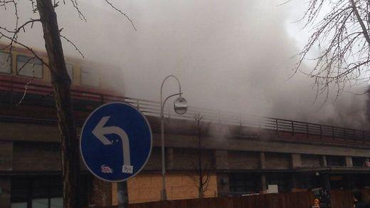Berliner Bahnhof Zoo wegen Feuer geräumt