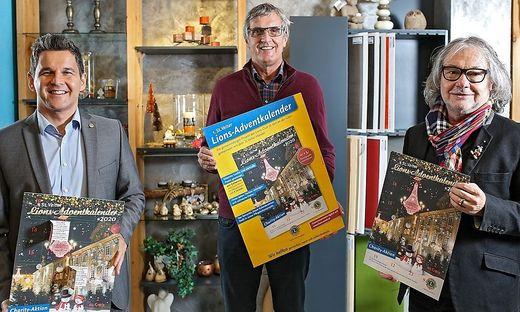 Lions-Team: Präsident Valent, Charity-Beauftragter Pugganig und Kalender-Gestalter Thaller